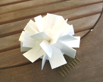 Origami Wedding Hair Accessory, White Wedding Hair Fascinator, White Wedding Hair Comb, Bridal Hair Accessory, White Hair Accessory