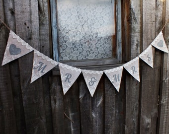 Mr and Mrs banner Wedding bunting Rustic wedding banner Mr and Mrs sign Wedding photo banner Burlap banner Wedding photo prop wedding decor