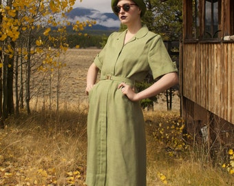 1940s Sage Green Collared Dress with Pockets, Front Zipper and Matching Belt