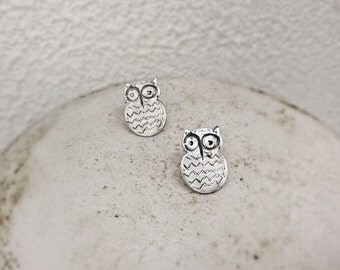 Owl stud earrings-Small studs-Sterling silver -Bird earrings-Owl jewelry-Dainty stud earrings-Animal Jewelry-Gigt for her-Jewelry under 30