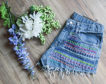 High waist vintage denim shorts Waist 30 | Ripped distressed shorts | Aztec tribal embroidered denim | Hipster festival bohemian shorts