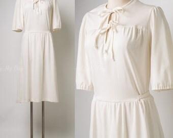 Vintage 60s Dress, Mad Men Dress, Vintage Ivory Dress, Vintage Cream Dress, Vintage Bow Tie Dress,Vintage Summer Dress,60s ivory dress - M/L