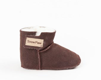 Brown sheepskin baby booties