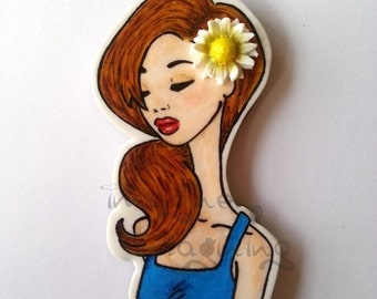 Daisy girl brooch