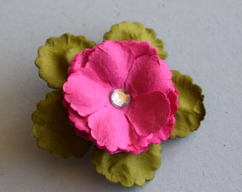 Pink Poppy Remembrance Pin with Green Leaves