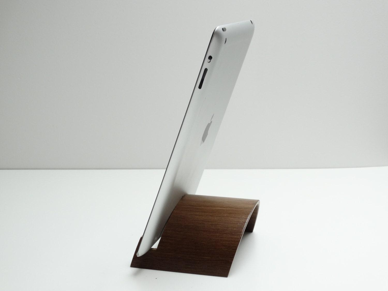 support tablette en bois support ipad en bois stand par atelier1053. Black Bedroom Furniture Sets. Home Design Ideas