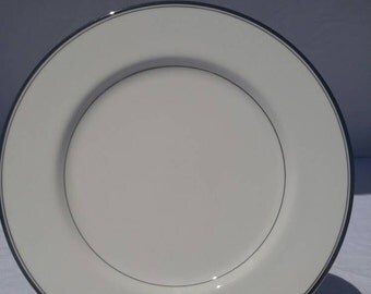 """Mikasa bone china, """"Briarcliff"""" dinner plate, discontinued pattern, A1 101"""