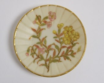 Antique Royal Worcester porcelain pin tray dish circa 1887