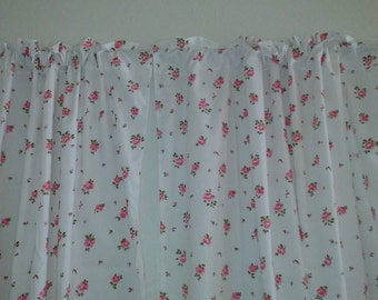 Shabby Chic Curtains/ Roses/Curtains/Cottage Chic/Home Decor/Roses/Bedroom Curtains