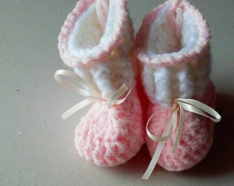 Baby girl booties, baby crochet booties, baby shower gift, baby girl gift, baby shoes