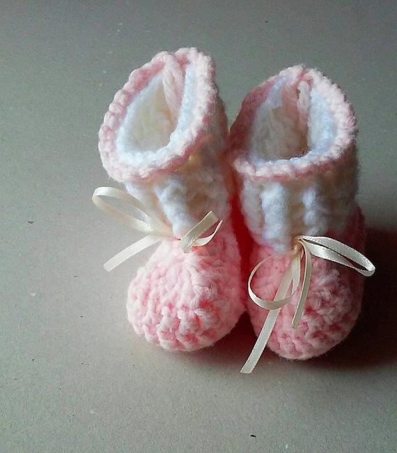 Baby girl booties, baby crochet booties, baby shower gift, baby girl gift, baby shoes
