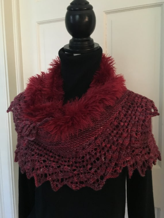 Fur-Trimmed Lace-Edged Knit Shawl