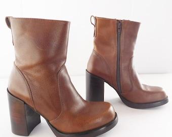 Candies brown chunky heel platform women boots size 9