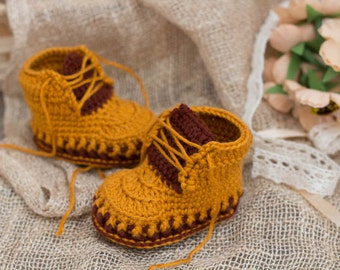 Crochet PATTERN boots for baby yellow and brown booties with tongue and laces Boot Crochet Pattern, PATTERN ONLY