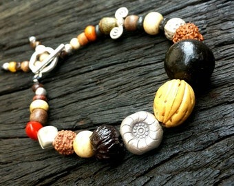 Bodhi seed & Hill Tribe silver bead bracelet.