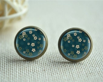 Green Earrings,Flower Studs, Floral Post Earrings, Glass Dome Photo Jewelry, Gift for her, Buy 3 get 1 free  (EH074)