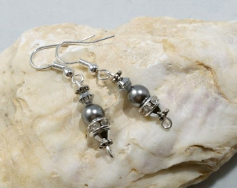 Handmade Pearl Earrings~Handmade Crystal Earrings~ Dangle Earrings~Beaded Earrings~Handmade Earrings~Handmade Jewelry