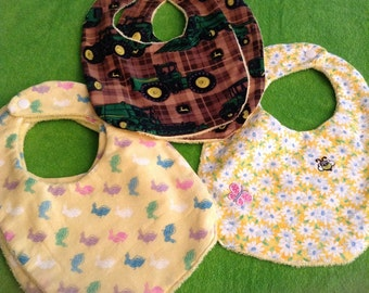 Absorbent infant bibs size 9 -18 months