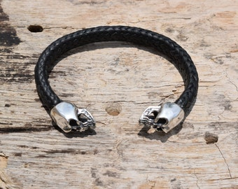 Mens 925 Sterling silver skulls bracelet handmade for men.