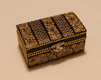 Black and Gold Jewelry Box