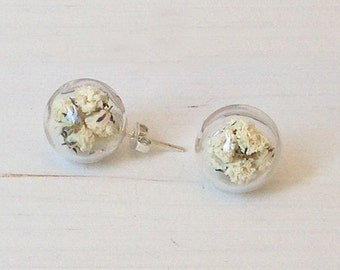 Glass earrings studs with white flowers