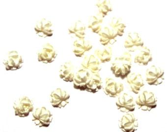 26 Vintage Lucite Rose Cabochons, Vintage Lucite Flower Cabochons, White Flower Cabochons, Vintage Rose Cabochons, Vintage Flower Cabochons