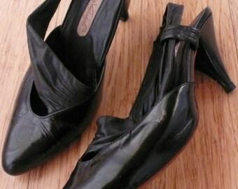 VINTAGE GLORIA VANDERBILT High Heeled Pumps - sling backs with 3 inch heels