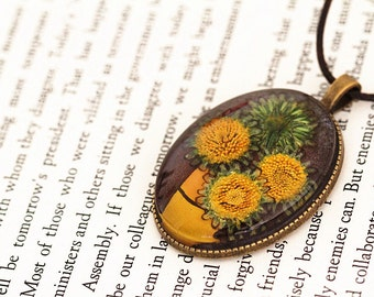 Baby Sunflowers Resin Pendant Necklace - Real flower preserved in resin, Pressed Flower Jewelry, Handmade Necklace