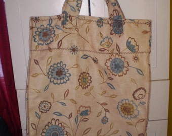 Large shopping bag with flowers