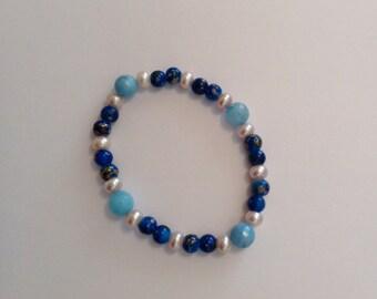 Blue bracelet, stretch bead bracelet, glass beads, gift for her, ladies bracelet, pretty, gift idea