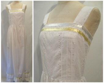 Eyelet wedding dress vintage
