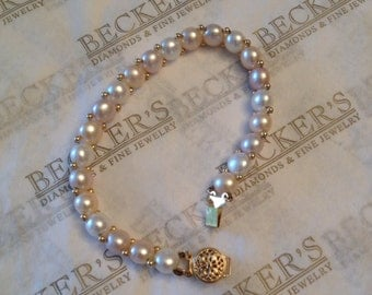 """Beautiful vintage 14k yellow gold bracelet 23 White Pink and Taupe Freshwater Button Pearls in Pink White & Taupe 7"""" with Filigree Clasp"""