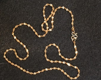 "Gold plated twisted 16"" chain"