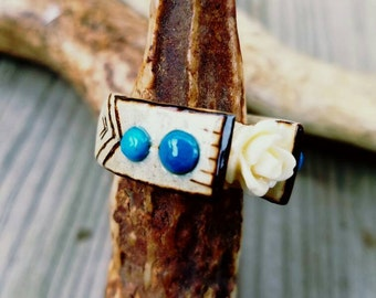 Handcarved Deer Antler Ring with Howlite accents and pyrography design.