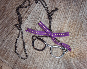 Eye Glasses Necklace ~1 pieces #100432
