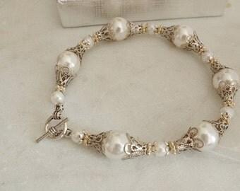 Pearl bracelet wedding Pearl Bracelet Swarovski Pearls Wedding Jewelry White Pearl Flower Girl Bracelet Brides Bracelet Handmade Accessories