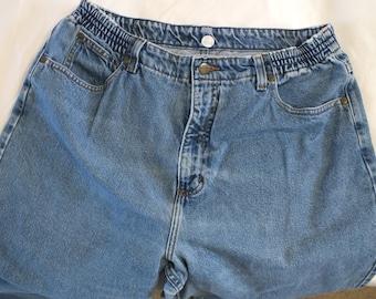 L.L. Bean Women 18 P Double L Comfort Waist Blue Jeans 28 inseam EUC