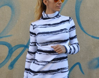Casual Black And White Turtleneck Blouse, Ovesized Knit Top, Plus Size Blouse, Extra Long Sleeves by SSDfashion