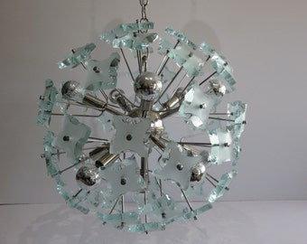 Chrome And Green Faceted Glass Sputnik Mid-Century Modern Chandelier, In The Manner Of Fontana Arte.