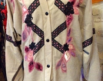 1990's dropped shoulder summer jacket, shoulder pads. Size S/M.