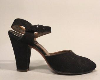 Vintage 1940s Shoes | Black Suede Ankle Strap Peep Toe Pumps | Size 5B