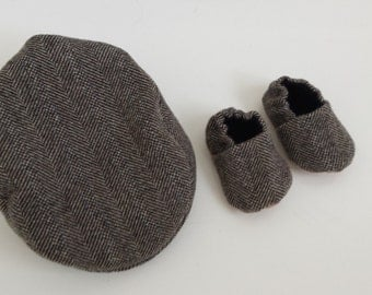 Newsboy cap & booties set, brown herringbone cap, brown herringbone booties, tweed shoes, baby cap, childs booties, childs cap, tweed cap