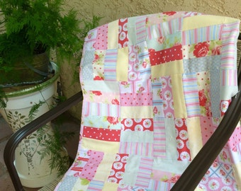 Shabby chic jelly roll quilt