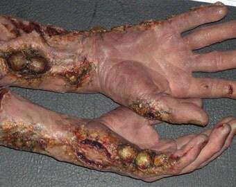 Rotting hands Prop
