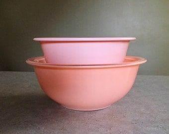 Sale*** 30% Off - Pyrex Peach Gradient Clear Bottom Nesting Mixing Bowls #322, 323