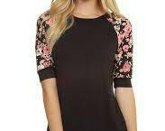 Floral sleeve women's top-SMALL