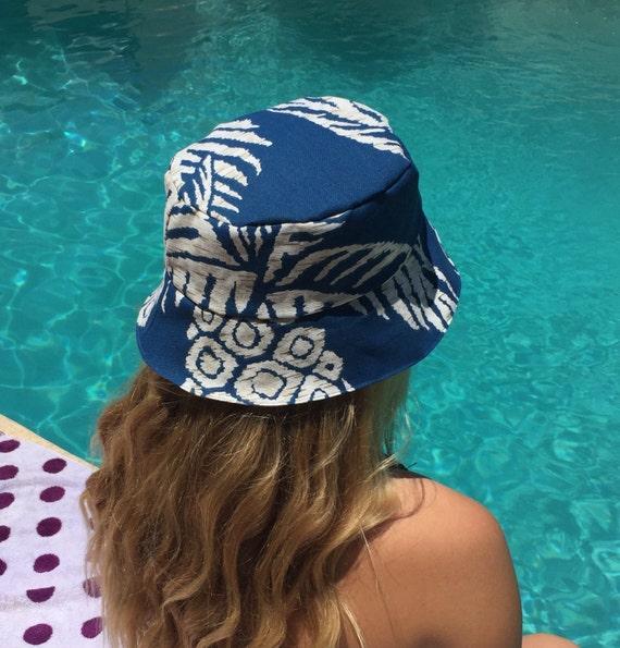 Blue Pineapple Women's Reversible Bucket Hat Tropical