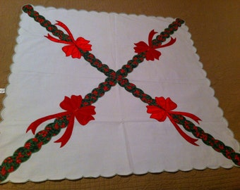 Tablecloth centerpiece for christmas