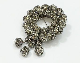 50s Wreath Brooch | Circle Rhinestone Pin