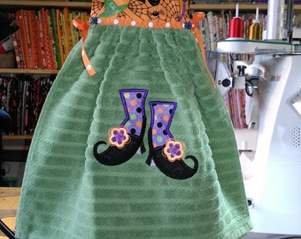 Witch's Boot Hanging Dress Towel